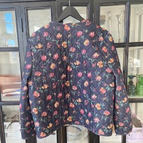 Virkelig fin vintage kvilt. Passer str 40,42 og 38 oversize   Quilted jacket Kviltjakke