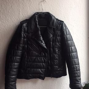 ⚫️⚫️⚫️Den fedeste læderjakke fra ALEXANDER WANG x H&M 🌸⚫️⚫️⚫️