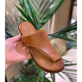 Defeeter sandaler