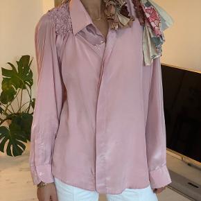 Bettina Bakdal skjorte