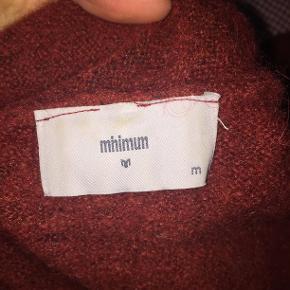 Flot rød striktrøje fra Minimum købt i Magasin i en str. M. 🌹