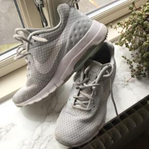 Nike Air Max Motion LW (833662)NP 830kr Brugt få gange