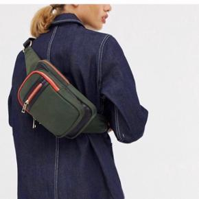 """Prisen er fast - anvend """"køb nu"""" Først til mølle   Se mine andre annoncer og spar porto. Har en masse fra bl.a. Zara, Ganni, Munthe, H&M, vintage ting og meget mere🌸🛍  #Secondchancesummer"""