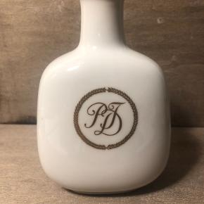 Lille fin vase nr. 4646 I flot stand