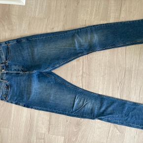 SAMSØE & SAMSØE 28/32 - fede mørkeblå jeans - stilen hedder Craig