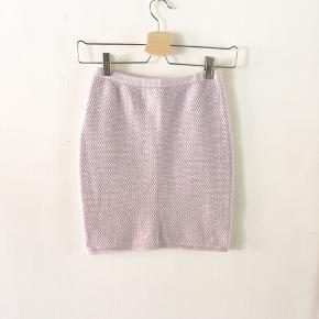 Envii nederdel 🌸  brugt 2 gange, men ingen tegn på slid Kan sendes med DAO eller hentes i Aalborg/København.