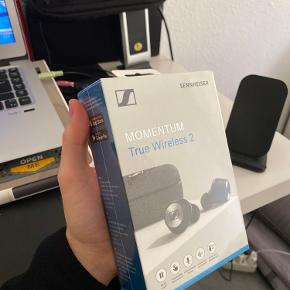 Absolut bedste ANC earbuds på markedet fra sennheiser.  Helt nye med emballage udenom  Cool features..  - Active noisecancelling  - Talkthrough mode  - Customizable touchcontrol  - Customizable soundcontrol  Og meget mere.
