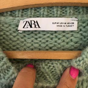 Lækker strik fra Zara i skøn farve