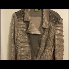 BUCH jakke/cardigan. Aldrig brugt.