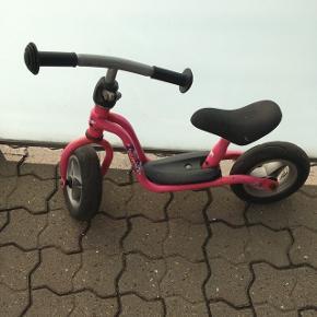 RESERVERETPuky løbecykel, den lille. Stand som fremgår af billeder. Bortgives