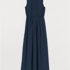 Lang chiffon kjole helt Ny stadig med skilt. Den er så flot. Størrelse 48.