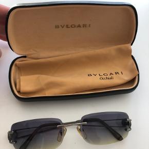 Bvlgari solbrille med original etui.