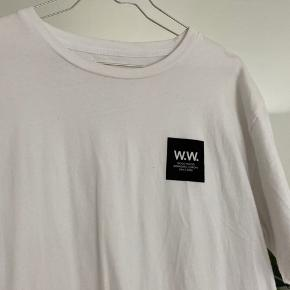Fed t-shirt fra Wood Wood, aldrig brugt. Kom med bud 🤍