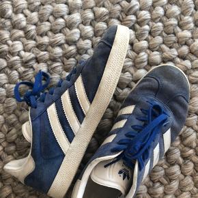 Adidas Gazelle. De er godt brugte og sælger dem derfor også billigt!☺️👋  #30dayssellout