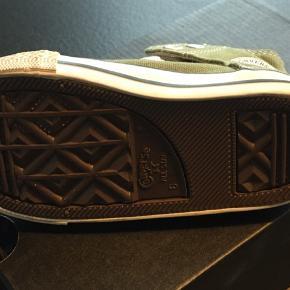 Fine converse støvletter - brugt en dag, indendørs. Sender gerne på købers regning.