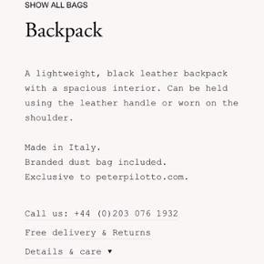 Peter pilotto taske i saffiano skind. Vandtæt, letvægtig og super lækker. Lædersnorene kan omjusteres så den nærmest kan bæres på alle tænkelige måder. På ryggen som rygsæk, crossover, i hånden og som bæltetaske også.  Denne lille taske kan indeholde pokkers mange ting. Mange flere ting end man lige regner med😆🤩  Nypris 390 euro.
