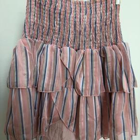 Bolchestribet nederdel fra denne sæson. Str. Small. Nypris 399kr.