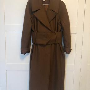 Populær frakke fra hm- brugt få gange