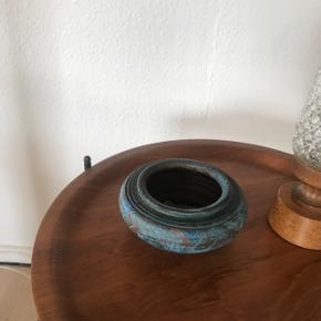 Skøn keramik potte.           Mp 75krDia 15 cm højde 7 cm   Til salg på flere sider   Randers nv ofte Århus Ålborg Odense København mm Sender gerne på købers regning
