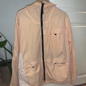 WTS WTT Sælger min Marina 50 Fili hooded jacket, da jeg trænger til en varmere jakke.  Jeg kan sende mange flere billeder ved interesse 😀