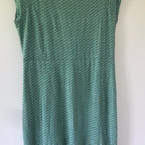 Fin King Louie kjole str. M - Brugt og vasket 3-4 gange, så i god stand.  Sælges for 200+ eller byttes med anden kjole str. M/L 😊