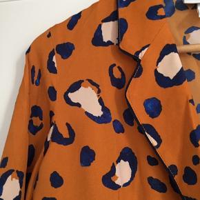 Flot bluse fra Phillip Lims kollektion for amerikanske Target. Helt ny!