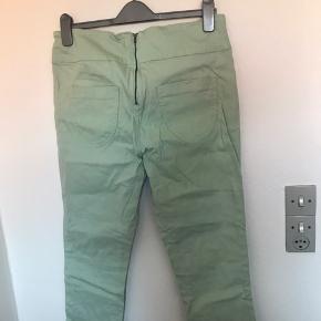 JAM luxury Jeans Næsten som nye men meget små prikker fortil (se billede 3)  #30dayssaleout