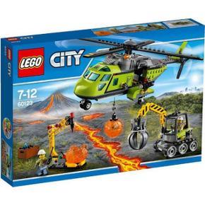 Lego City Vulkan Forsyningshelikopter 60123.  Sættet er komplet med manualer, kasse og samtlige brikker (har været åbnet og samlet en enkelt gang)
