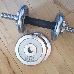 Et komplet sæt 2 x håndvægte  2 x 2,5 lbs vægtskive 2 x 5 lbs vægtskive  #secondhandsummer