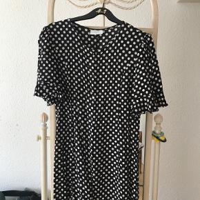 Grunt anden kjole & nederdel