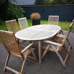 Amerikansk teaktræ bord + 6 stole incl. Hynder.  Kan trænge til lidt slibning og olie.