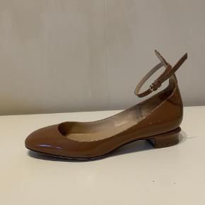 Valentino Flats