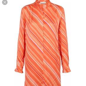Second female  medina skirt dress brugt 1 gang☺️ Nypris 800.-