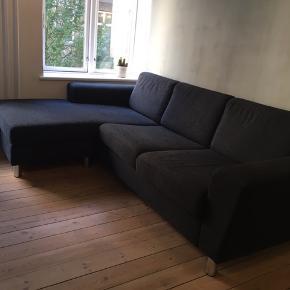 3 Pers. L240xH83xB153 cm. Vendbar. Boston sofa m/chaiselong fra IDEmøbler. Ny pris: 6999 kr. Skal afhentes i Aarhus C. Kvittering medfølger. Ingen skader.