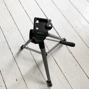 Braun BLT300 tripod / kamera holder / kamerastativ med vaterpas. Kan blive ca 155 cm
