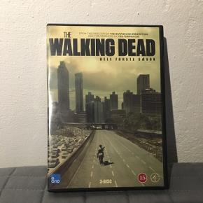 Jeg sælger sæson 1,2 og 4 af tv serien The Walking Dead til 25kr pr stk eller 70kr samlet.😀  Sæson 4 er helt ubrugt og er stadig pakket ind i plastik. 😀