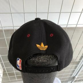 Miami heat snap-back cap