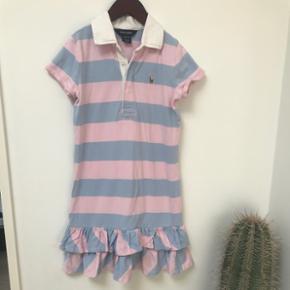 Supersød kjole fra Ralph Lauren. Str 8-10 Stor i størrelsen, mere end 134.