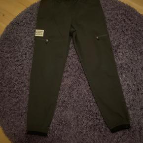 Le Baiser bukser