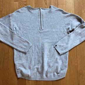 Super fin lille tøjpakke fra ZARA. Brugt ganske lidt, så rigtig fin stand.