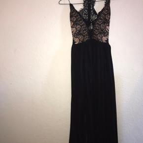 Det er en galla kjole som jeg kun har brugt en gang