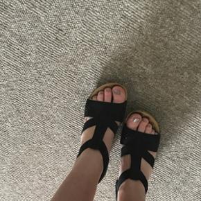 Flotte sandaler med lille hæl fra Rieker str. 39