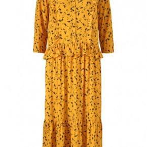 Mørke gul kjole fra Modström. Brugt få gange. Ny pris: 900,-