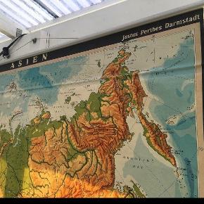 """Super fint gammelt skole """"Asien"""" landkort til salg pga pladsmangel. Kom med et godt bud! Sendes ikke.  Ca. 180 x 170cm i størrelsen  #trendsalesfund"""