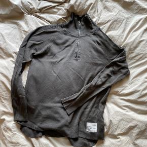 Newline Halo sweater