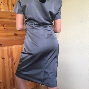 Helt ny flot kjole fra Inwear. Str 36. Aldrig brugt. Kan hentes i Hvidovre.