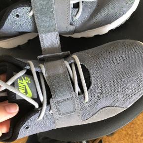 Nike sko str 39. Brugt få gange.