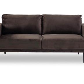 Få måneder gammel MEXICO sofa fra ILVA.  SMS 60133872 for flere billeder.