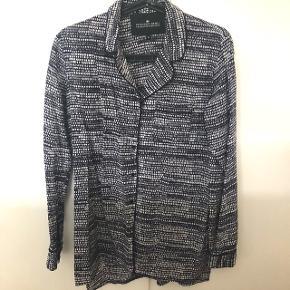 Skjorte fra Designers Remix, aldrig brugt.