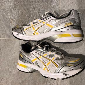 Lækre sneakers i god stand, sælges da de er for små  Asics Gel 1090